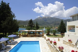 geni garden apartments in lefkada